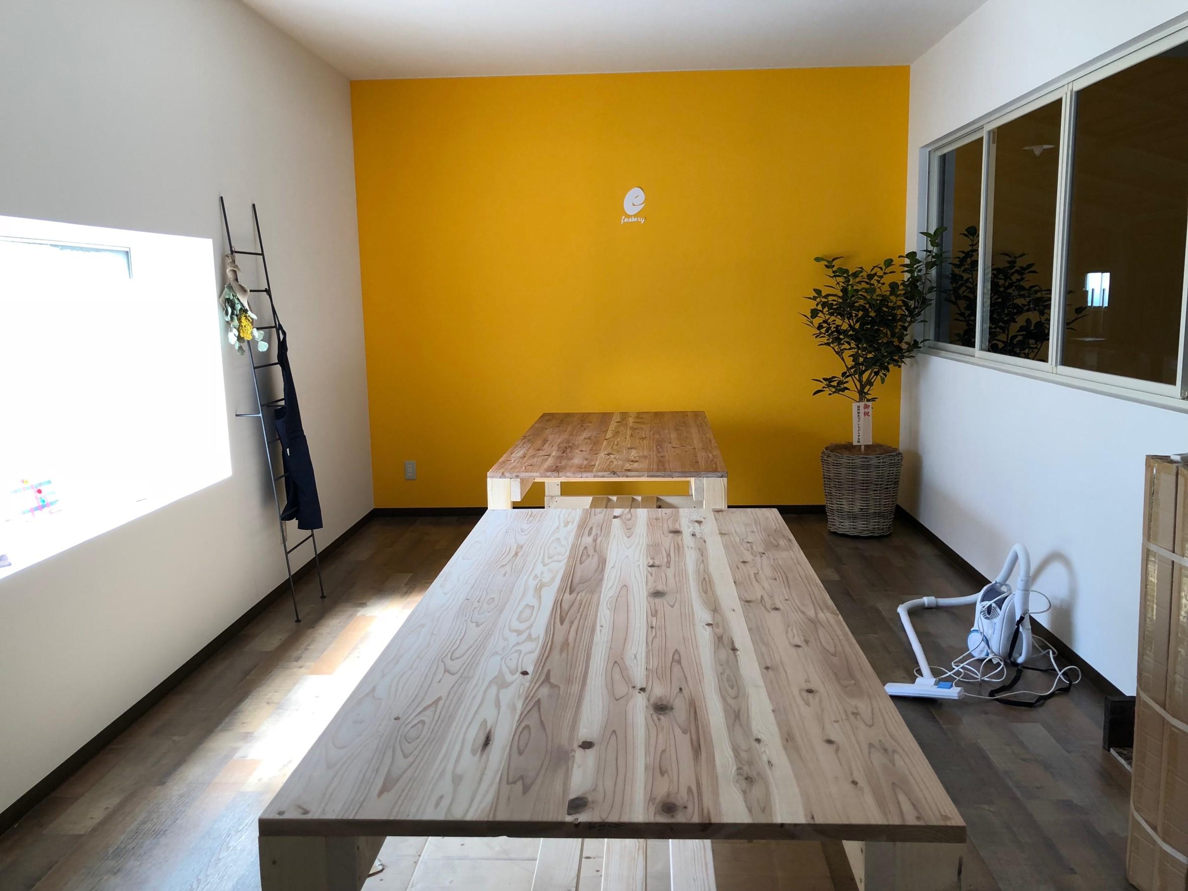 新しい事務所だんだん出来上がってきています️(*´꒳`*)#クラフトルーム #efactory #diy #手作り机 #心機一転頑張ろう