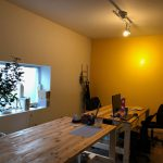 パソコンが入ると急に事務所っぽい!#新しい事務所 #製本工場 #diy #壁ロゴ